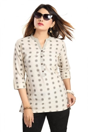 Smart Cotton Short kurti for Everyday Wear. Cotton Flax Front Open Kurti. Shop Everyday Wear Kurtis with Ayukti. The range comprises ankle length Kurtis